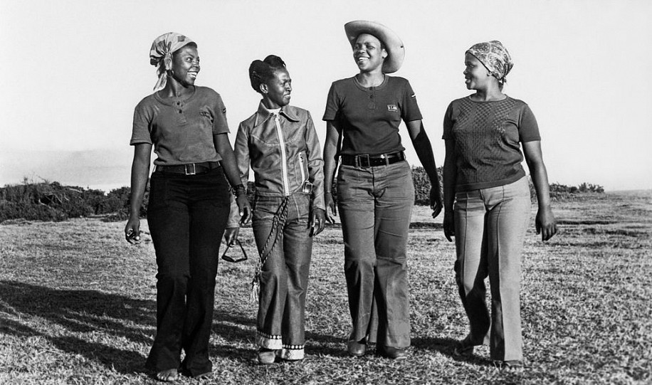DANIEL 'KGOMO ' MOROLONG, WOMEN #112<br />